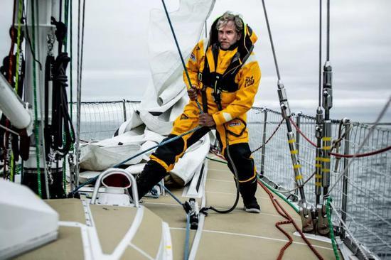 具有專業帆船教學經驗的大衛已然開始職業新篇章