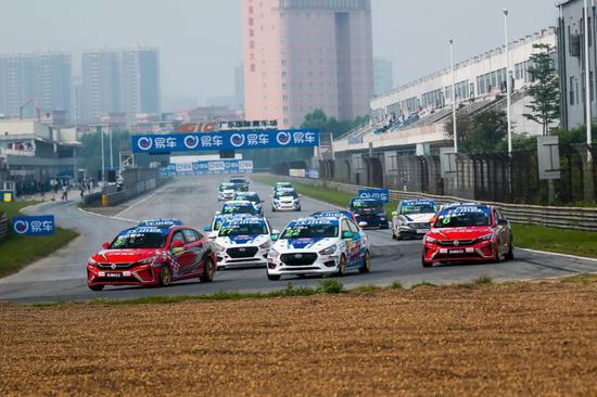 破 · 打破广东国际赛车场单圈纪录