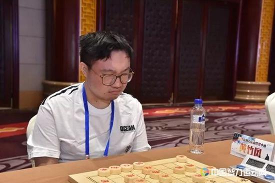 黄竹风率领浙江智运管理中央队暂列第一