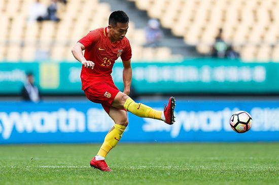 贺惯代表国足比赛。