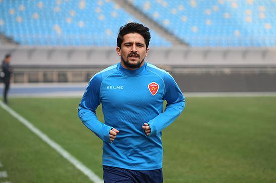 阿洛伊西奥也有可能代表国足。