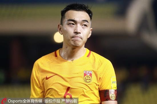 面对叙利亚最后时刻的进球,冯潇霆欲哭无泪。