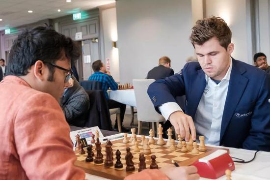 卡尔森第五轮战胜印度棋手甘古利