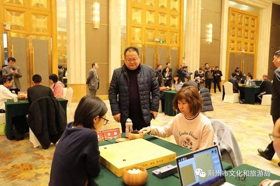 荆州市文化和旅游局(荆州市体育局)局长 刘宗彪 观看比赛