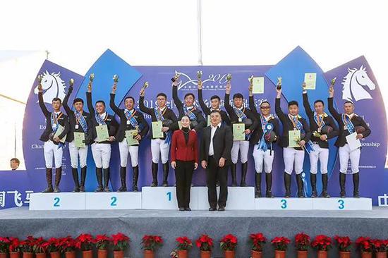 浙江队首次斩获全国马术场地障碍锦标赛团体冠军 河南队和北京队分获亚军和季军