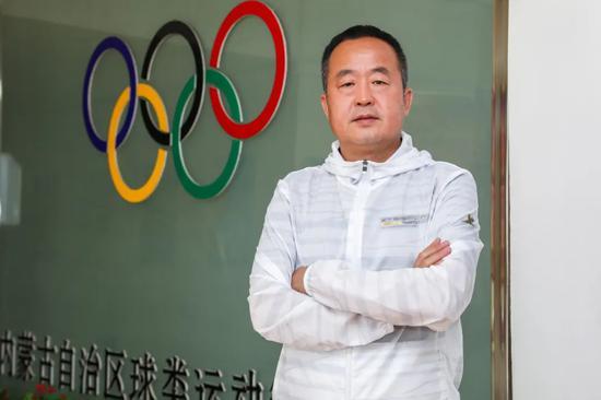 中国马拉松破210第一