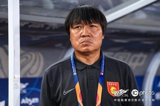 谢峰:最后定位球失球是我们教练责任 梅米伤势不明