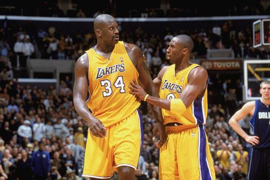 《【摩登3代理官网】奥尼尔评NBA五大双人组 十年六冠组合仅排第二》