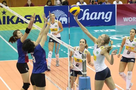 巴西女排37岁老将时隔三年复出 曾夺北京奥运冠军