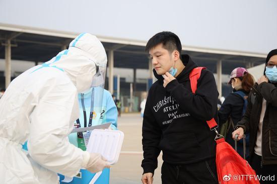 中国乒乓球天团抵达郑州 张本智和能否卷土重来?
