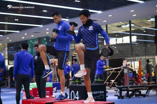 申花赛季目标尽可能控制伤病 崔康熙冬训有应对