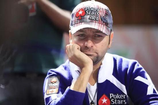 """竞技扑克小贴士 """"赢一点就跑""""是新手玩家一大错"""