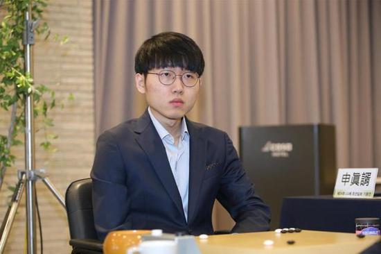 韩国等级分公示:申真谞狂跌31分仍高居第一