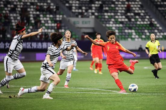 中国足球终于出了一个花木兰 英雄现身值得落泪