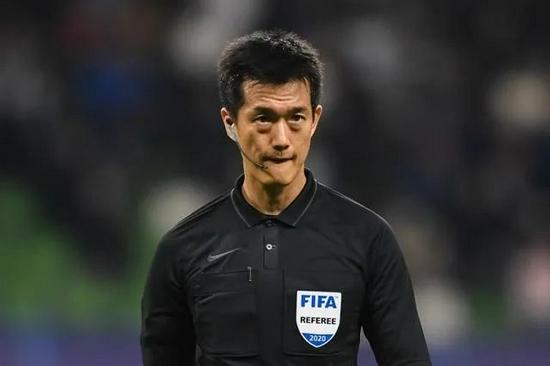 【博狗体育】巴林裁判执法世预赛中国VS日本 整体有利于国足
