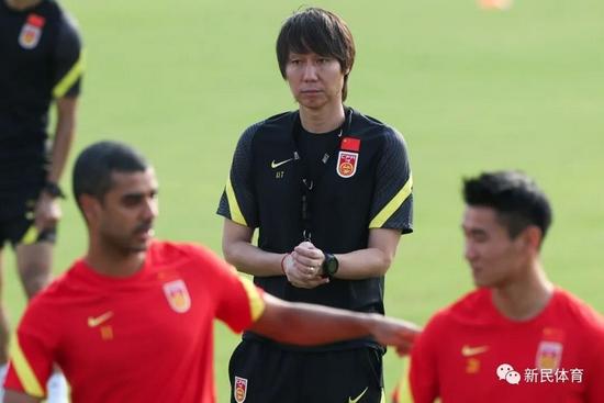【博狗体育】足协为何给李铁5年长约?中国足球靠骂是骂不出去的