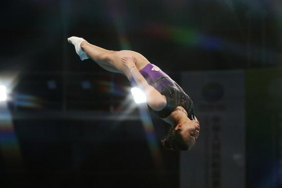 奥运蹦床冠军朱雪莹失误 无缘全运会个人项目决赛