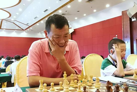 国象锦标赛(个人乙组) 彭雄健宁凯玉分获冠军