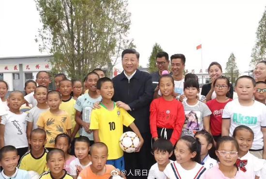 苟仲文:中央重视足球工作 建设体育强国的突出案例