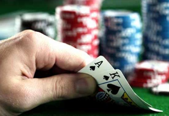 初学者快速提高竞技扑克牌技的十个小贴士