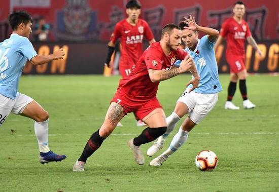 狼队vs伯恩茅斯阿瑙:中国有些球员能去欧洲 中超顶级队类似英冠