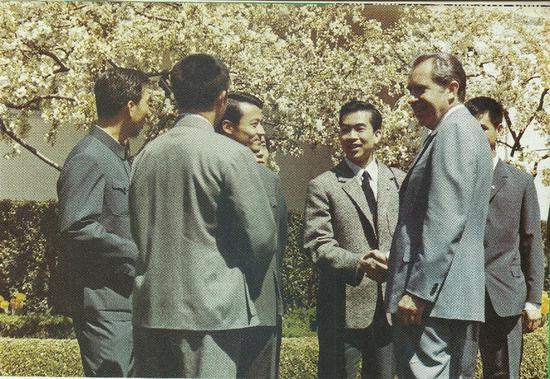50年前乒乓外交 为何是庄则栋迎上去跟科恩说话?