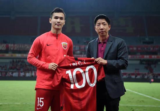 林创益迎来代表上港出战的第100场中超联赛。