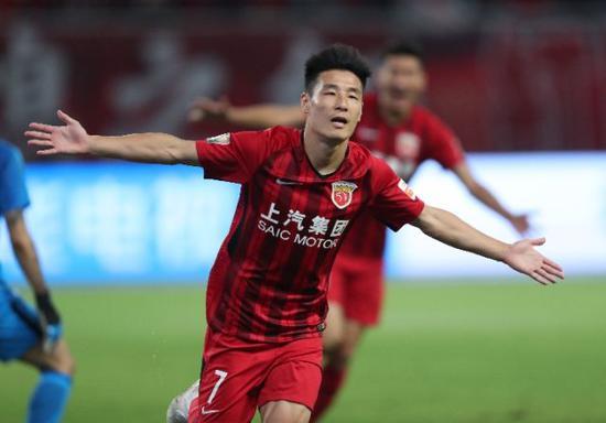 武磊在比賽中慶祝進球。新華社發(李銘珅攝)