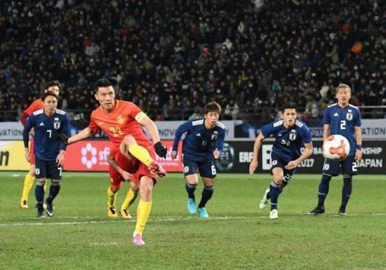 国足在日本三队面前输球。