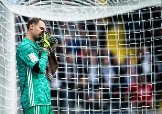 诺伊尔追平马特乌斯代表拜仁的出场次数