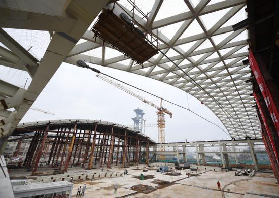 国家会议中心二期建设工地现场。新华社记者张晨霖摄