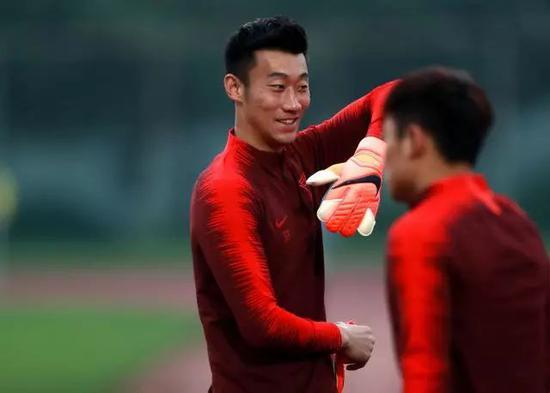 里皮:郑智是年轻球员的榜样 黄紫昌让我有极大兴趣