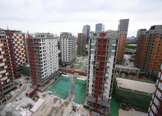正在建设中的北京冬奥村。新华社记者张晨霖摄