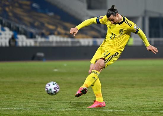 伊布对阵尤文时膝盖受伤 能否出战欧洲杯存疑