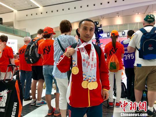 获得4枚举重金牌的中国特奥老将陈赞。 王祖敏 摄