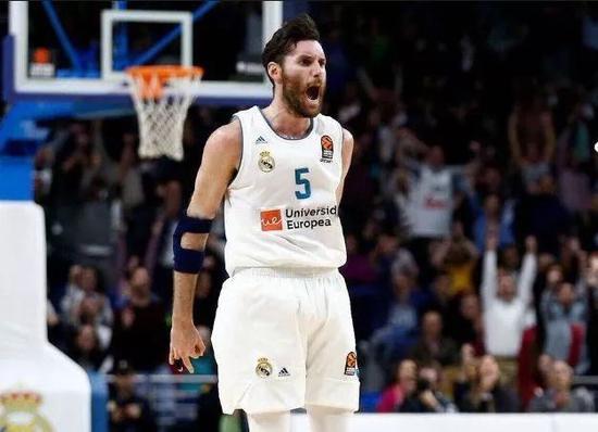 [热文]他当年被一掌拍出NBA,重回欧洲风生水起!