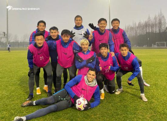 申花中方教练:每天跟崔康熙交流 二阶段将演练战术
