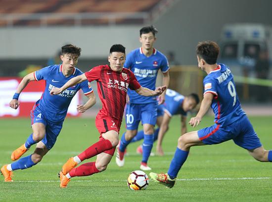武磊表现神勇,在联赛为自己正名。新华社 图