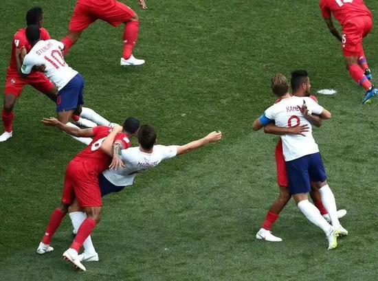本场比赛,英格兰队被巴拿马严防死守