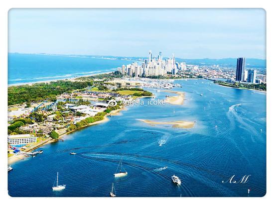 乘坐海洋世界直升机所看到的黄金海岸