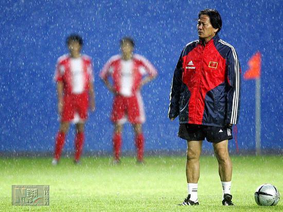 朱广沪曾是国足主教练。