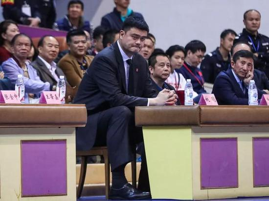 姚明亲临女篮决战最后两场。
