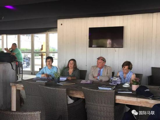 中国马术协会与国际马联商议