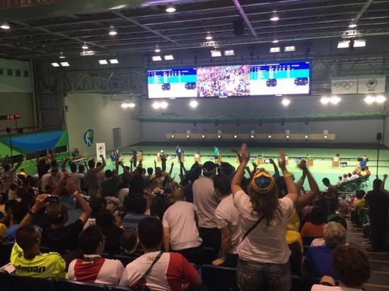 图说:里约奥运会上足球场清淡的射击赛场。