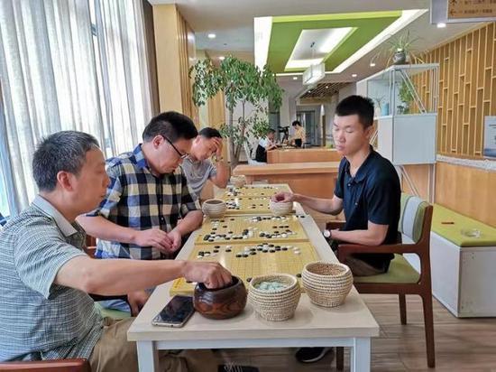 苏伯尔队教练 汪涛六段