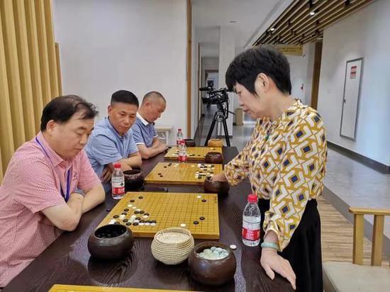 中国围棋协会副主席 华学明