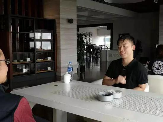 龙元明城队主教练郭闻潮接受采访
