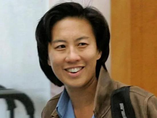 华人 女性 她打破了美国职业体育百年禁忌