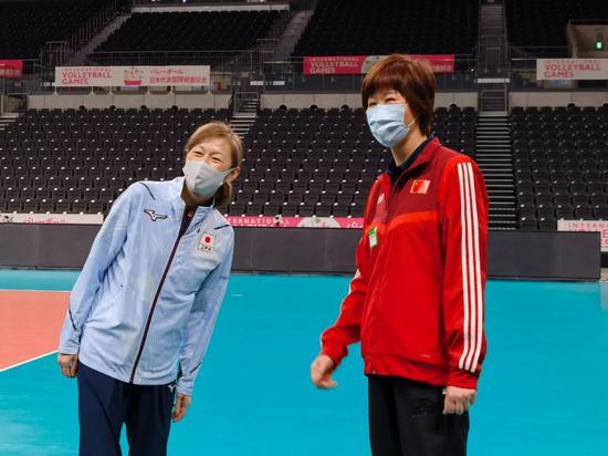 女排提前体验奥运赛场 郎平中田久美都想上领奖台