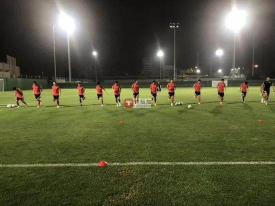 国足队内赛体能30分钟就到极限 国脚密集比赛劳累